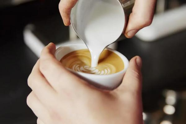 ترکیب شیر و قهوه